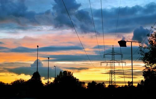 sunset yellow orange clouds germany saarland saarbrücken friday weekend november autumn lantern electricity nikon d5600
