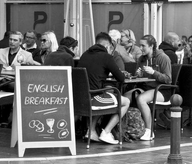 English breakfast .