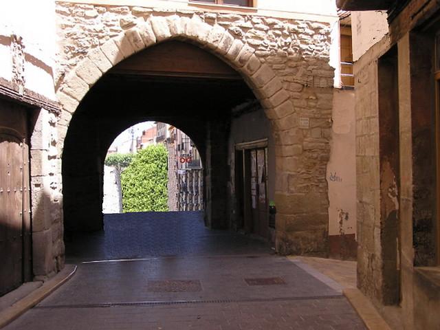 Graus Portal de Jabonero o del Baron Huesca 24