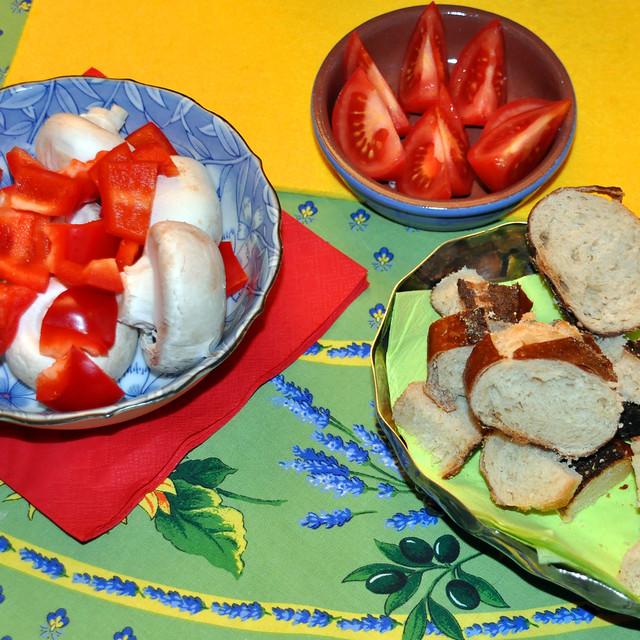 November 2019 ... Käse-Fondue, wärmendes Essen in der kühlen Jahreszeit ... Foto: Brigitte Stolle