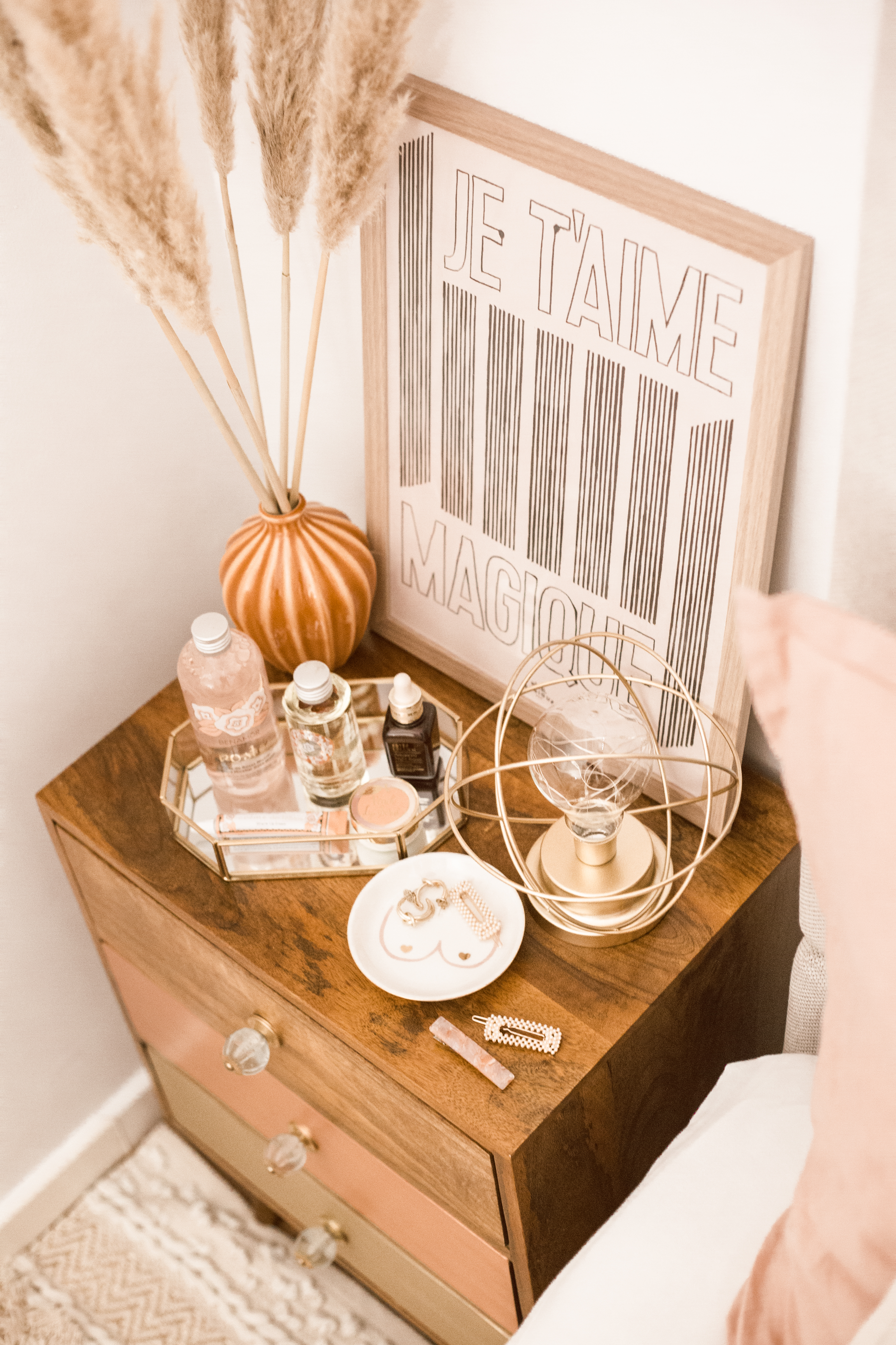 styling my bedside table