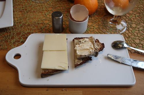 Tiroler Bergkäse und Pfeffer Duc du Bourgogne auf Majanne-Brot