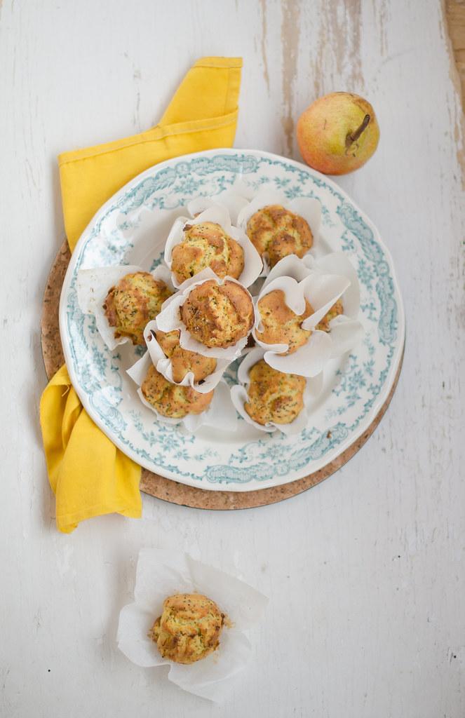 muffin pere, yogurt e semi di chia