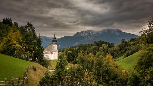 watzmann mountain berchtesgaden bavaria bayern clouds cloudy wolken wolkig mariagern church kirche kapelle berge