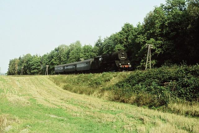 ein Personenzug mit 41er