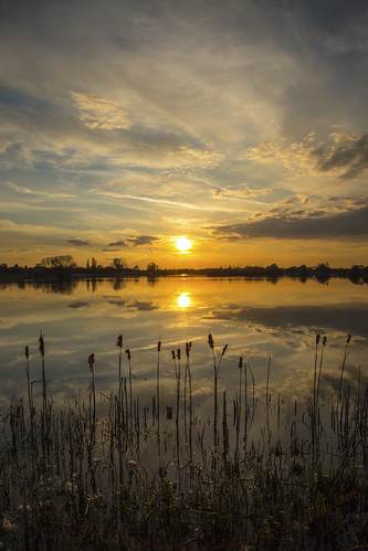 canon6d nature outdoors outside uk cambridgeshire sunset lake water reflections sky clouds sun landscape waterscape