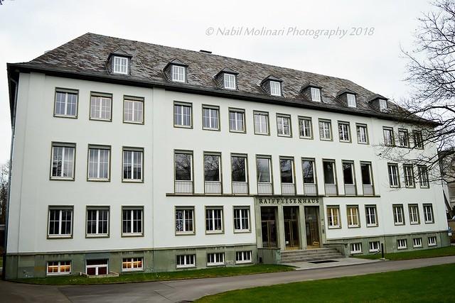 Cityscape : Raiffeisenhaus, Adenauerallee 127
