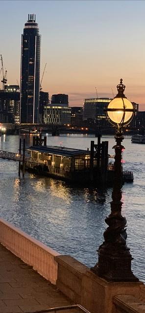 Lantern-on-Thames