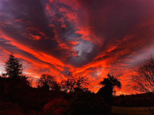 wales sunrise red