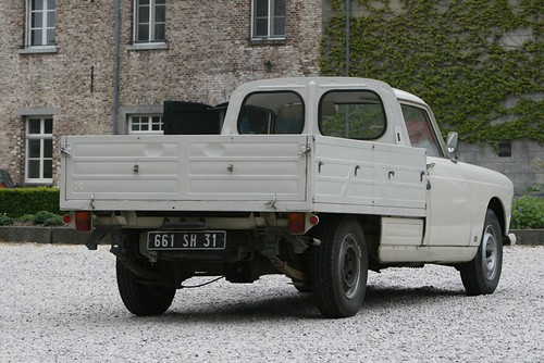 Peugeot_404_PickUp_Avia_1964_R2