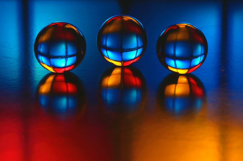 triplicated colour reflection