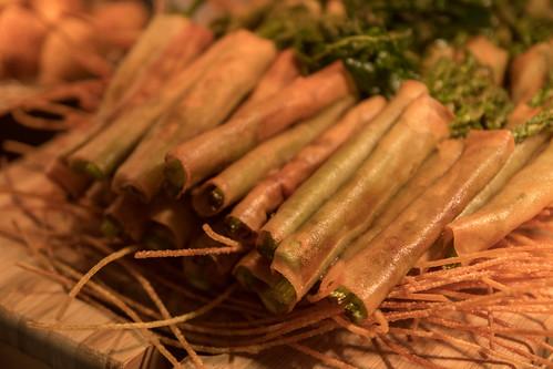 Crisp Asparagus Rolls with Blue Cheese Garlic Ranch Dip