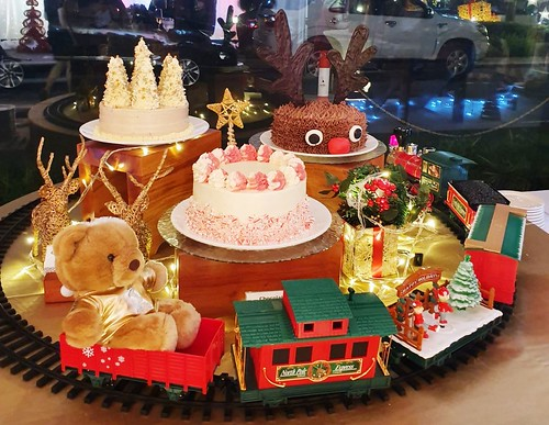 Seda Christmas Cakes with the Seda holiday train