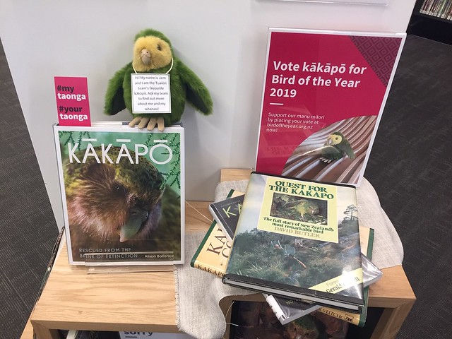 Kākāpō display, Bird of the year