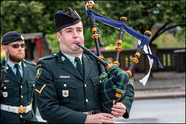 Trained Private Elliott on the Pipes