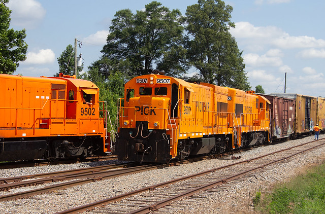 2 Trains on the Pickens