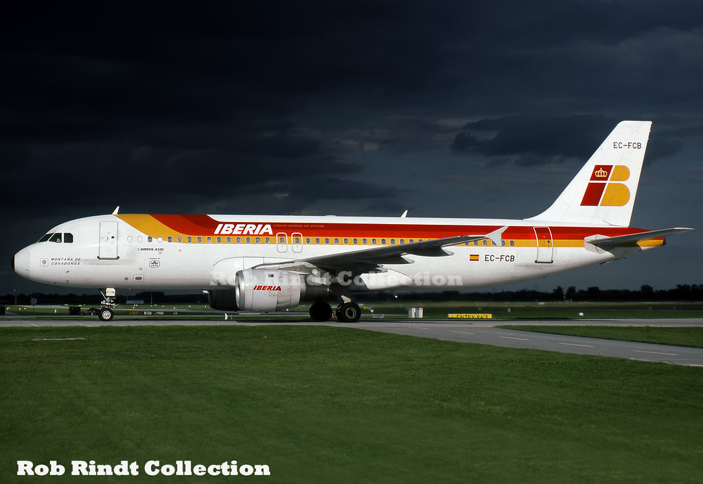 Iberia A320-214 EC-FCB