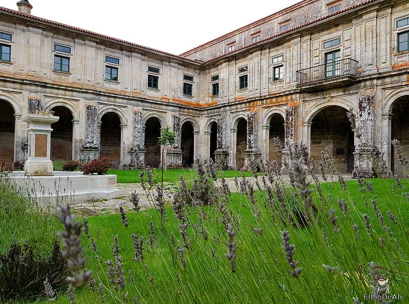 Un día en el Camino de Santiago Vía de la Plata Monasterio de Oseira (10)