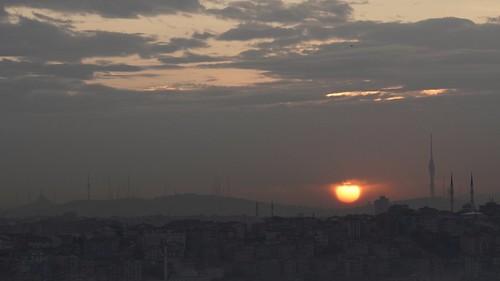sunriseatistanbul sunrise clodysunrise bulutlugündoğumu büyükçamlıcacamiigündoğarken gündoğarkenistanbul çamlıcatepesindengündoğarken bulutlar