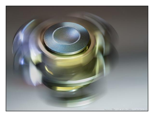 Fidget Spinner on Beauty Mirror