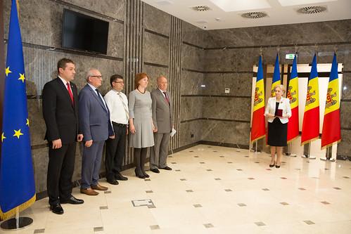 11.11.2019 Înmânarea Medaliei Democrației și de diplome unor oameni de știință din Republica Moldova