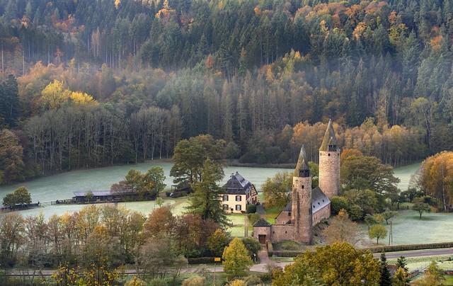 *Burg Bruch @ Kleinod der Moseleifel*