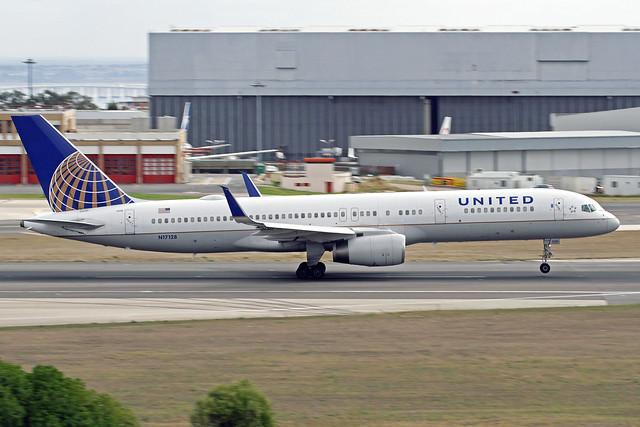 United Airlines Boeing 757-224 N17128 LIS 16-10-19