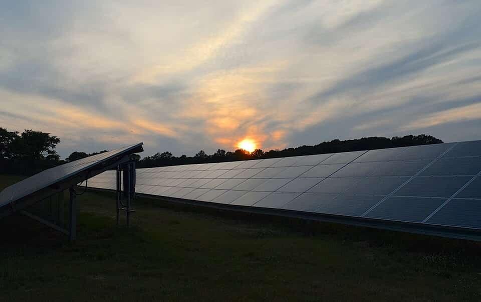 panneaux-solaires-production-désordre-plus-efficaces-pérovskites