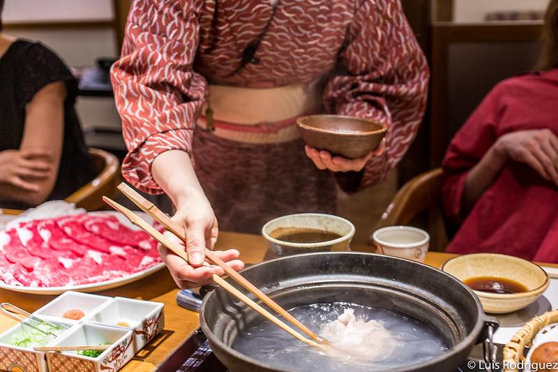 Shabu-shabu en el restaurante Kisoji Tajimi-ten