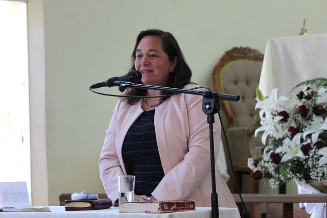 Pastoras visitan Clase de Dorcas de IMCH Guarilihue