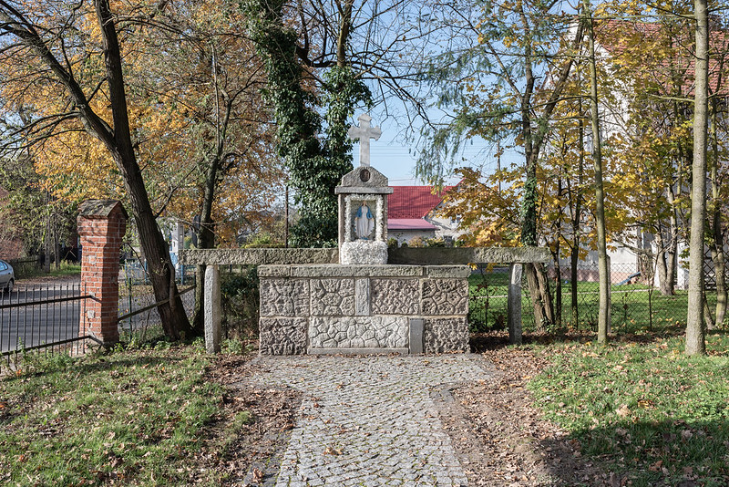 Lapidarium of German tombstones in the form of an altar, Przeczów/Prietzen, 11.11.2019