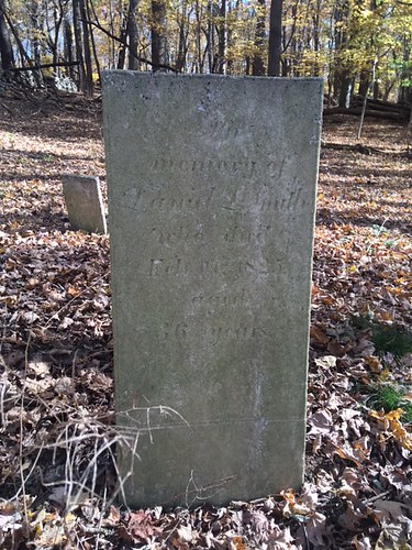 Mianus Burial Large Grave 3