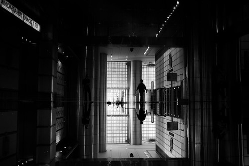 kualalumpur kl malaysia reflection streetphotography asia travelling tourist pointofview pov fujifilm x100f 35mm bw noiretblanc 2019