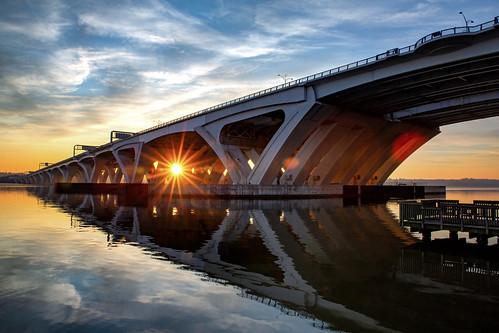 alexandria wilsonbridge bridge sunburst virginia maryland reflection potomac potomacriver