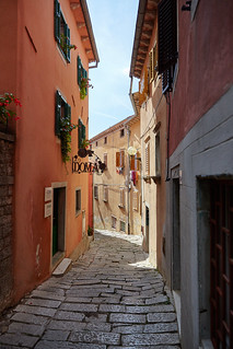 Narrow streets of Labin 003