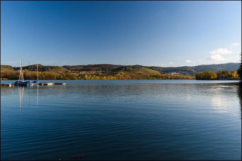 Breitenauer See im Herbst