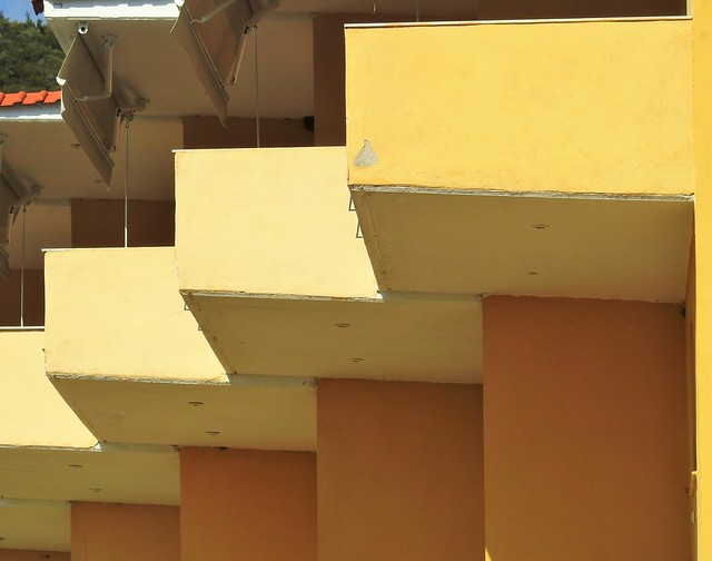 Red Coral Apartments - Yellow Geometry