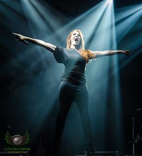 Simons Simón from Épica. Concert Teatro Flores,Buenos Aires,Argentina. #simonssimon #épica #argentina #concert #concierto #live #photographyconcert #ligth #teatroflores #singer #woman #nikon #D5100 #metal #liric infonico #sinfonico