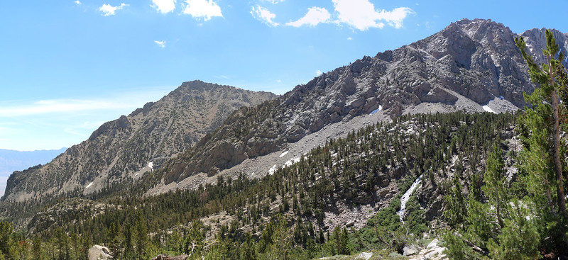 Panorama south with Independence Peak on the left, from the Kearsarge Pass Trail just above Little Pothole Lake