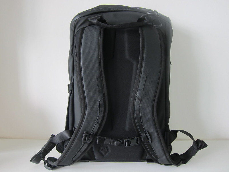 Wandrd DUO Daypack - Back