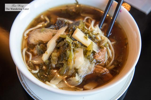 Hangzhou Pian Er Chuan Noodles 片儿川