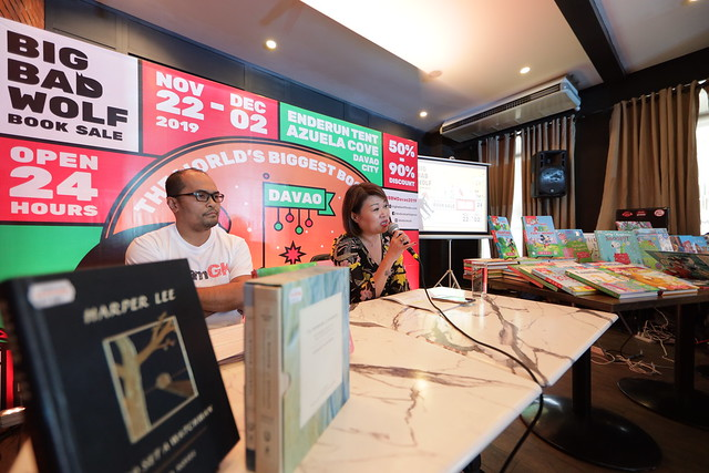 Jacqueline Ng of Big Bad Wolf Book Sale and Harvey Maraguinot of Gawad Kalinga