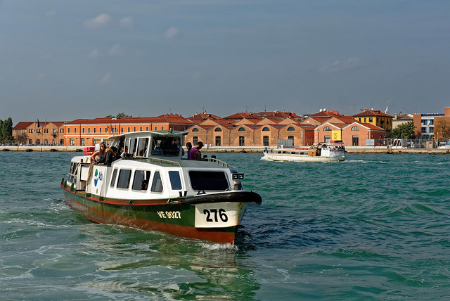 Venezia / Canale della Giudecca / S Basilio