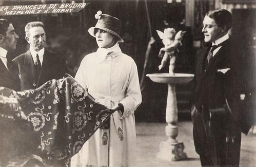Hesperia and André Habay in La principessa di Bagdad (1918)