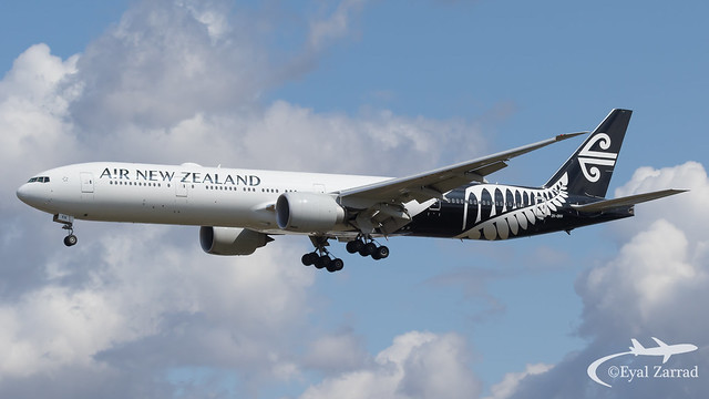 LHR - Air New Zealand Boeing 777-300 ZK-DKN