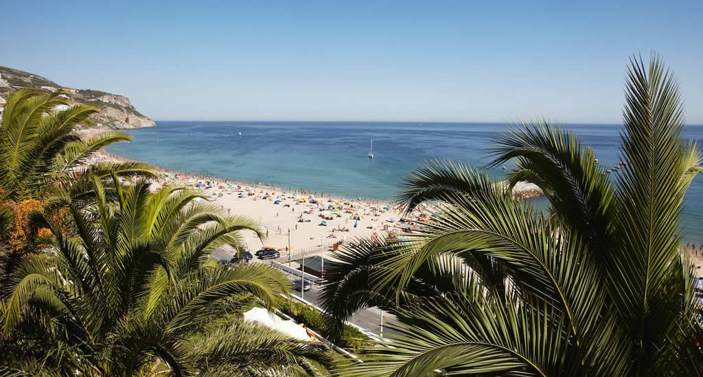 Naar het strand vanuit Lissabon: Sesimbra | Mooistestedentrips.nl