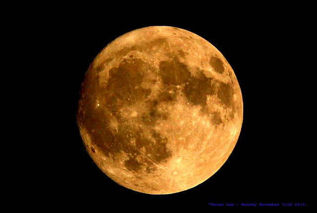 Near Full Beaver Moon.......