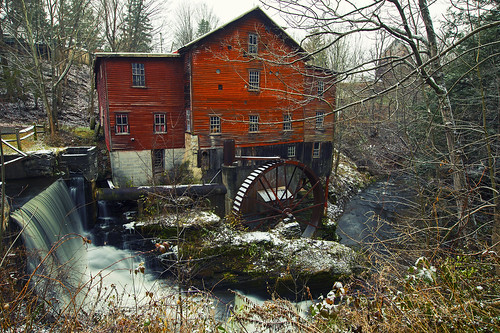 hike hiking adventure outdoors fun life red mill history historical snow snowy snowstorm nature landscape peaceful newhopemills newhope november fall steph
