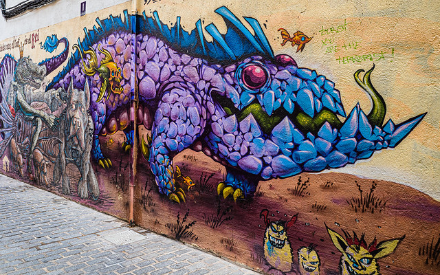 Urban Street Art (Side Street - Valencia) (Ricoh GRD3 28mm f2.8 Compact) (1 of 1)
