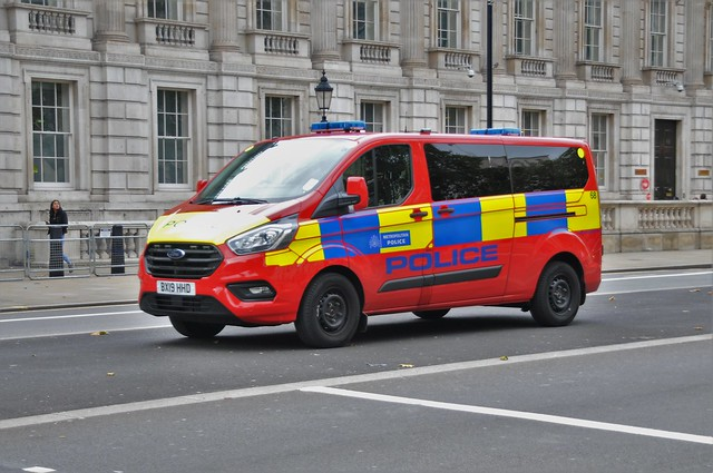 MET Police London Diplomatic Protection Group...Ford Custom Van BX19 HHD